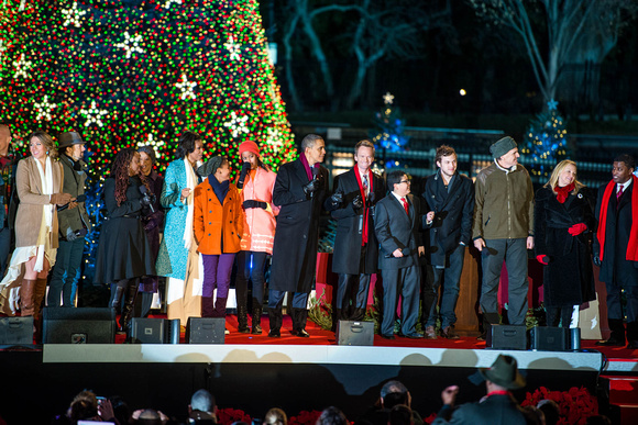 2012 National Tree Lighting Ceremony - First Family with Performers